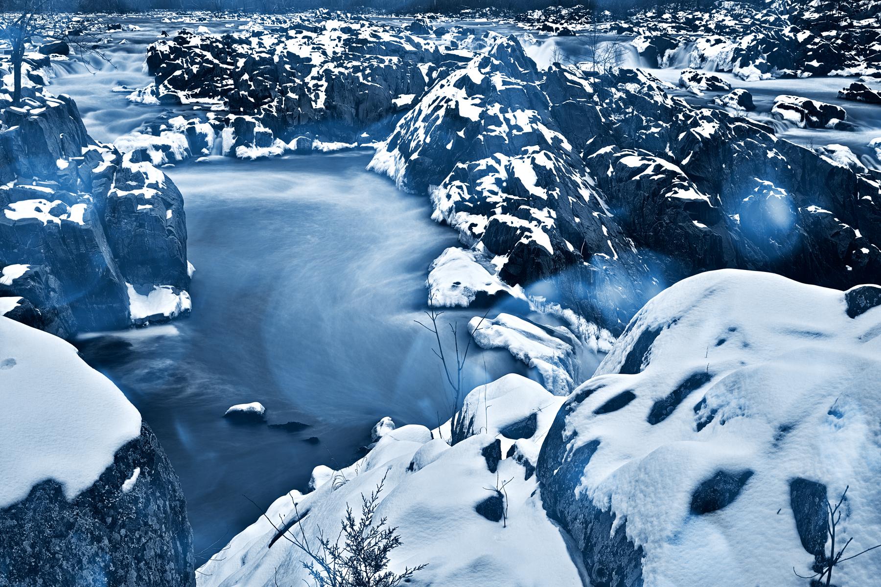 Winter bokeh falls - hdr photo