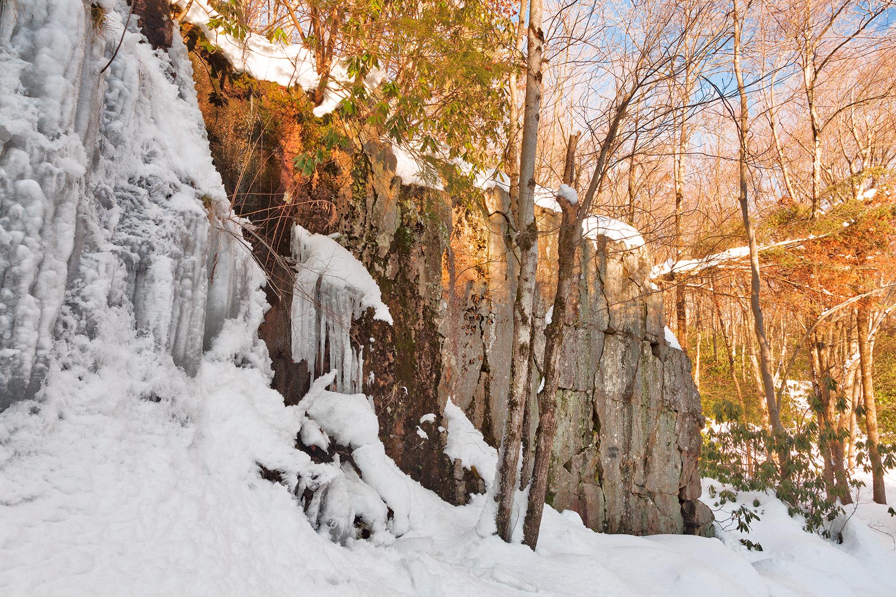 Winter Hawk Rockscape - HDR, America, Pretty, Shades, Shade, HQ Photo