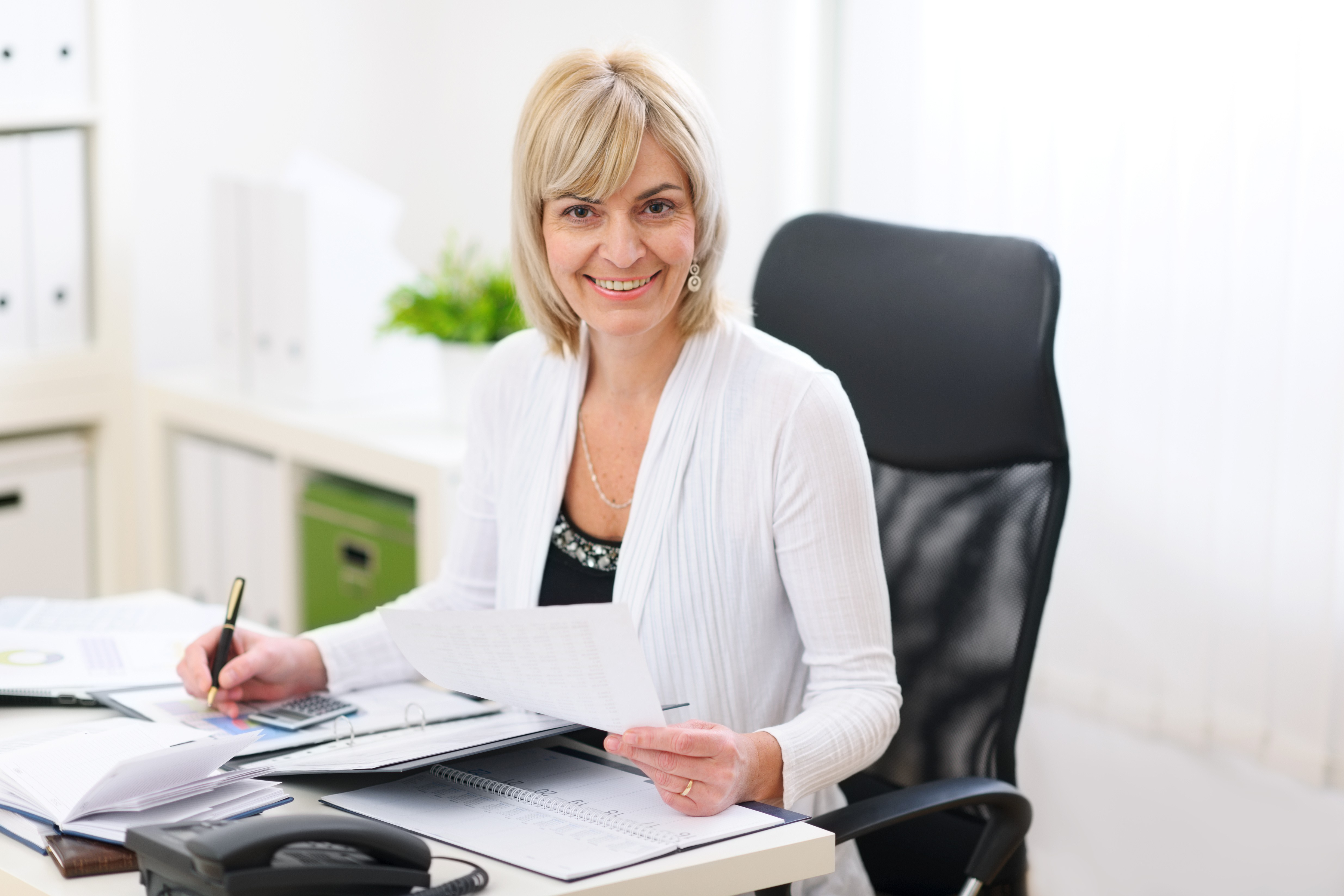 Menopausal women unable to cope at work? - Tanith Lee - Mrs Menopause