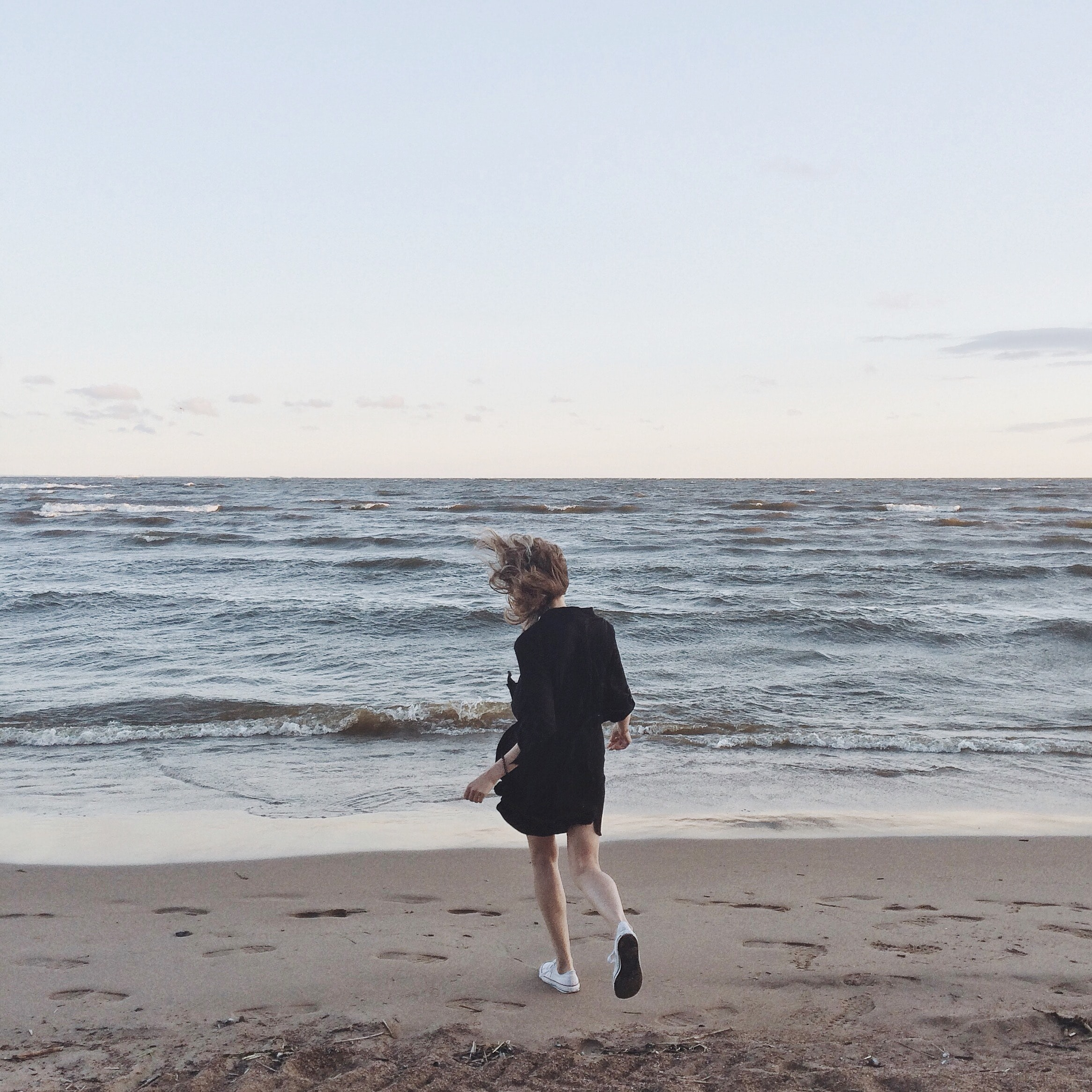 Woman Going Toward the Sea Under Clear Skies, Sea, Young, Woman, Waves, HQ Photo
