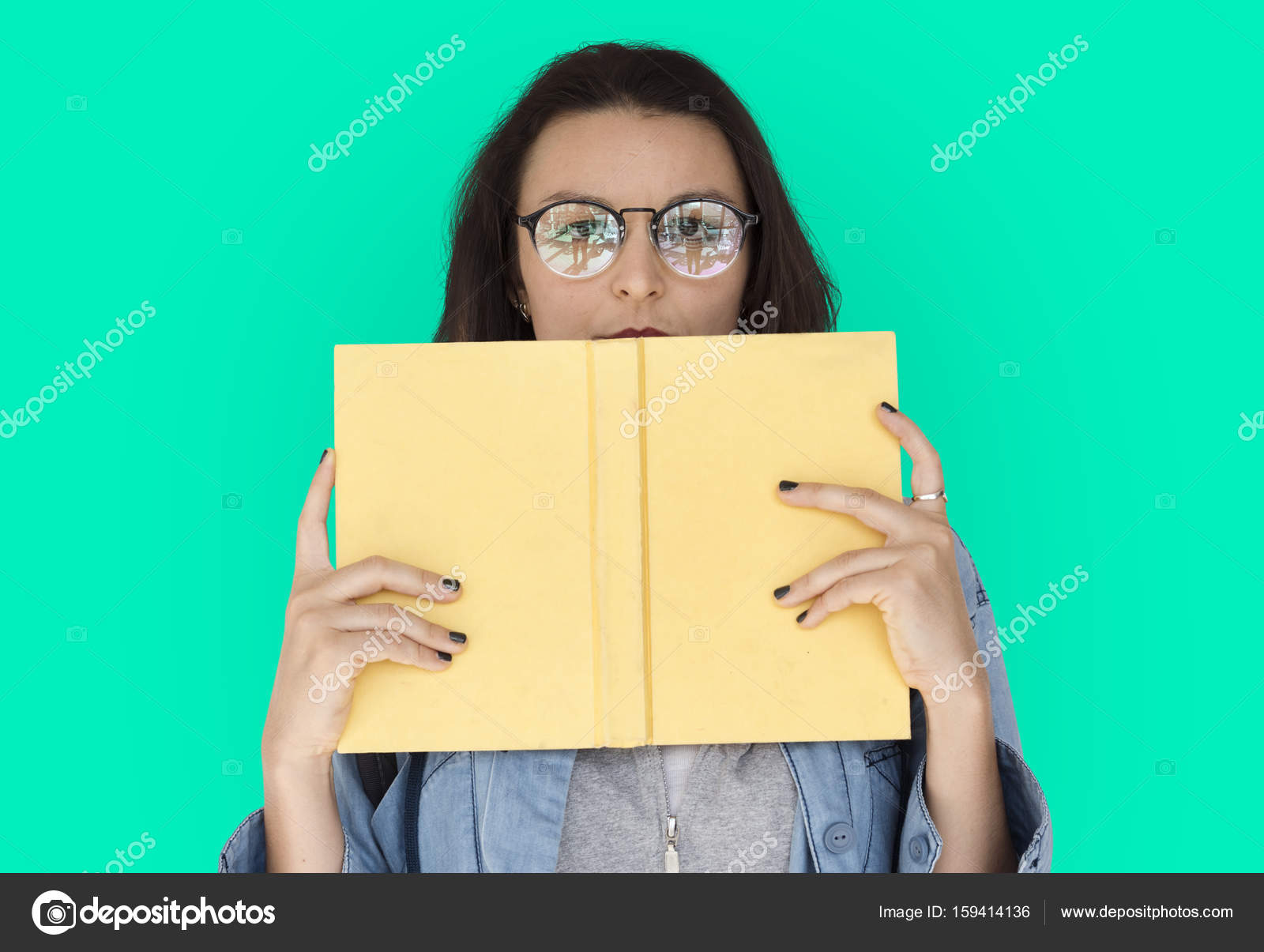 woman holding book — Stock Photo © Rawpixel #159414136