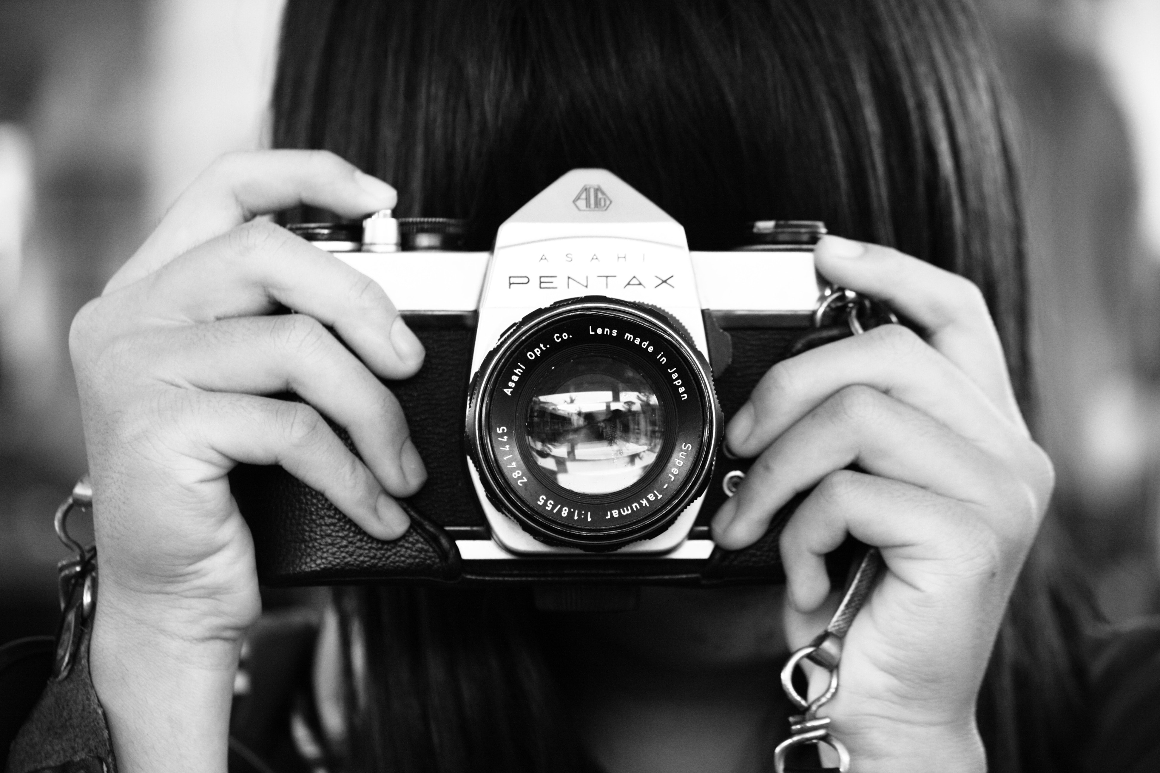 Woman Holding Dslr Camera in Grayscale Photography, Analog camera, Monochrome photography, Woman, Vintage, HQ Photo
