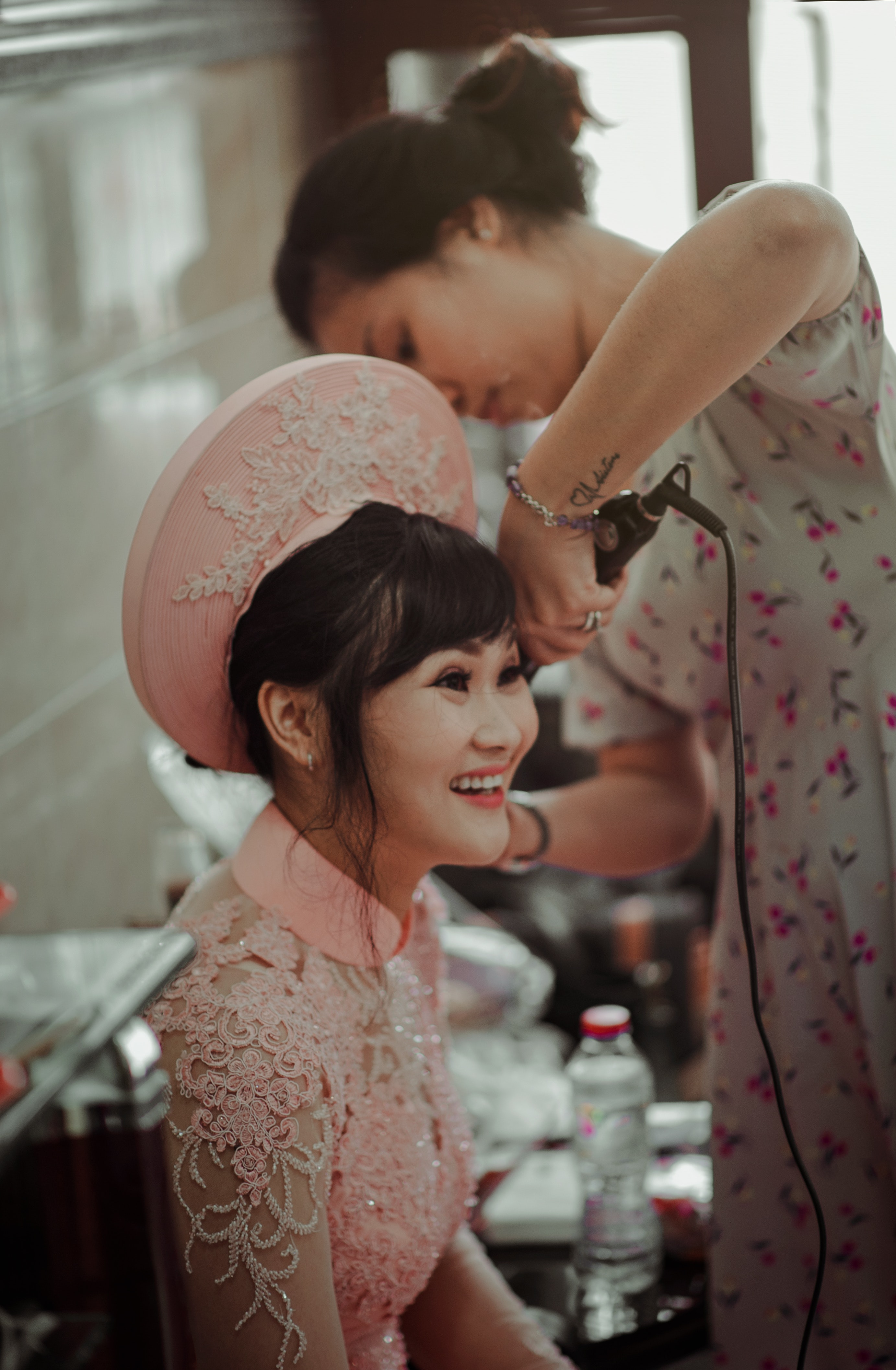Woman in Pink Collared Blouse Smiling While Sitting, Blur, Photoshoot, Wedding dress, Wedding, HQ Photo