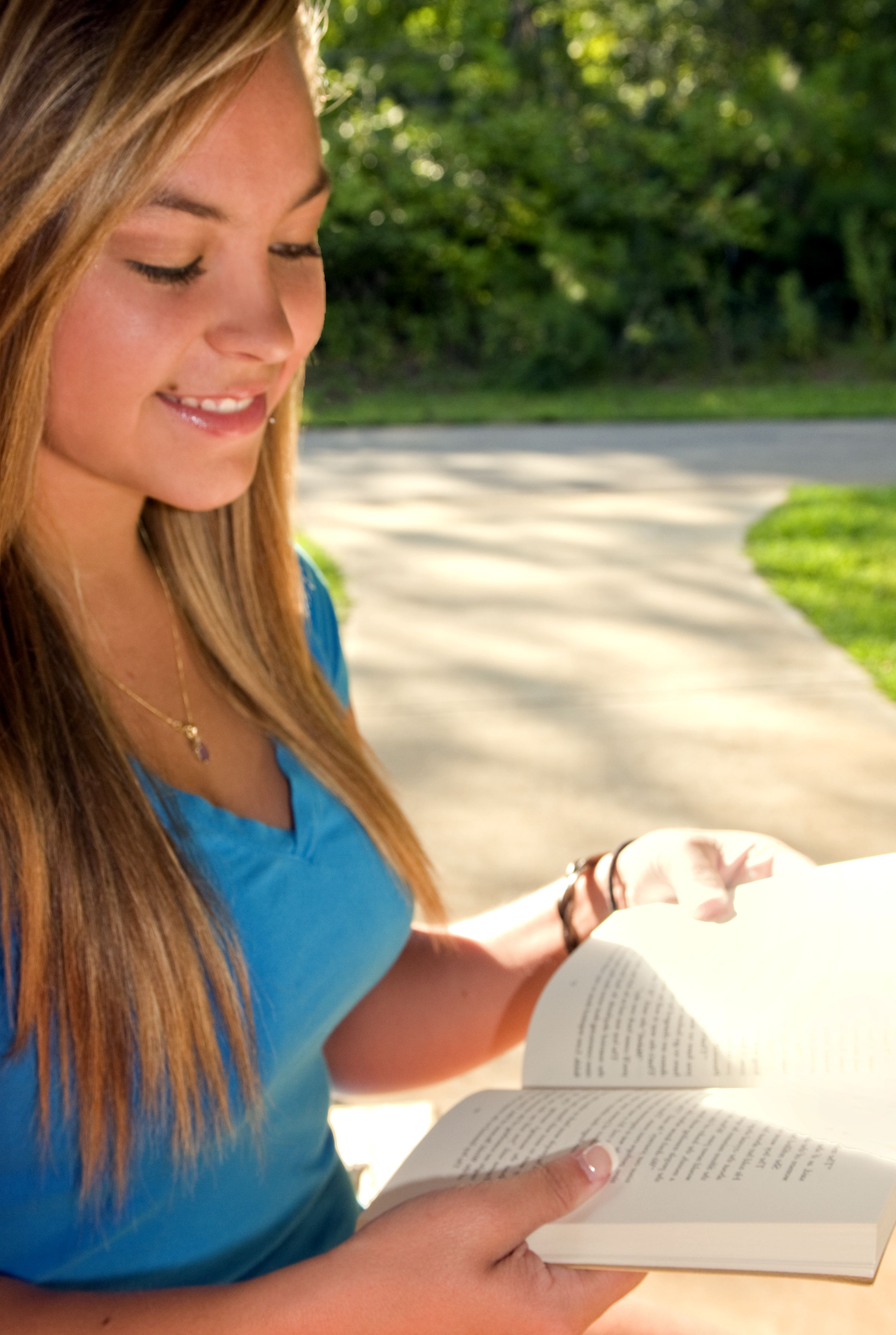Free picture: cute, looking, girl, young woman, reading, book ...