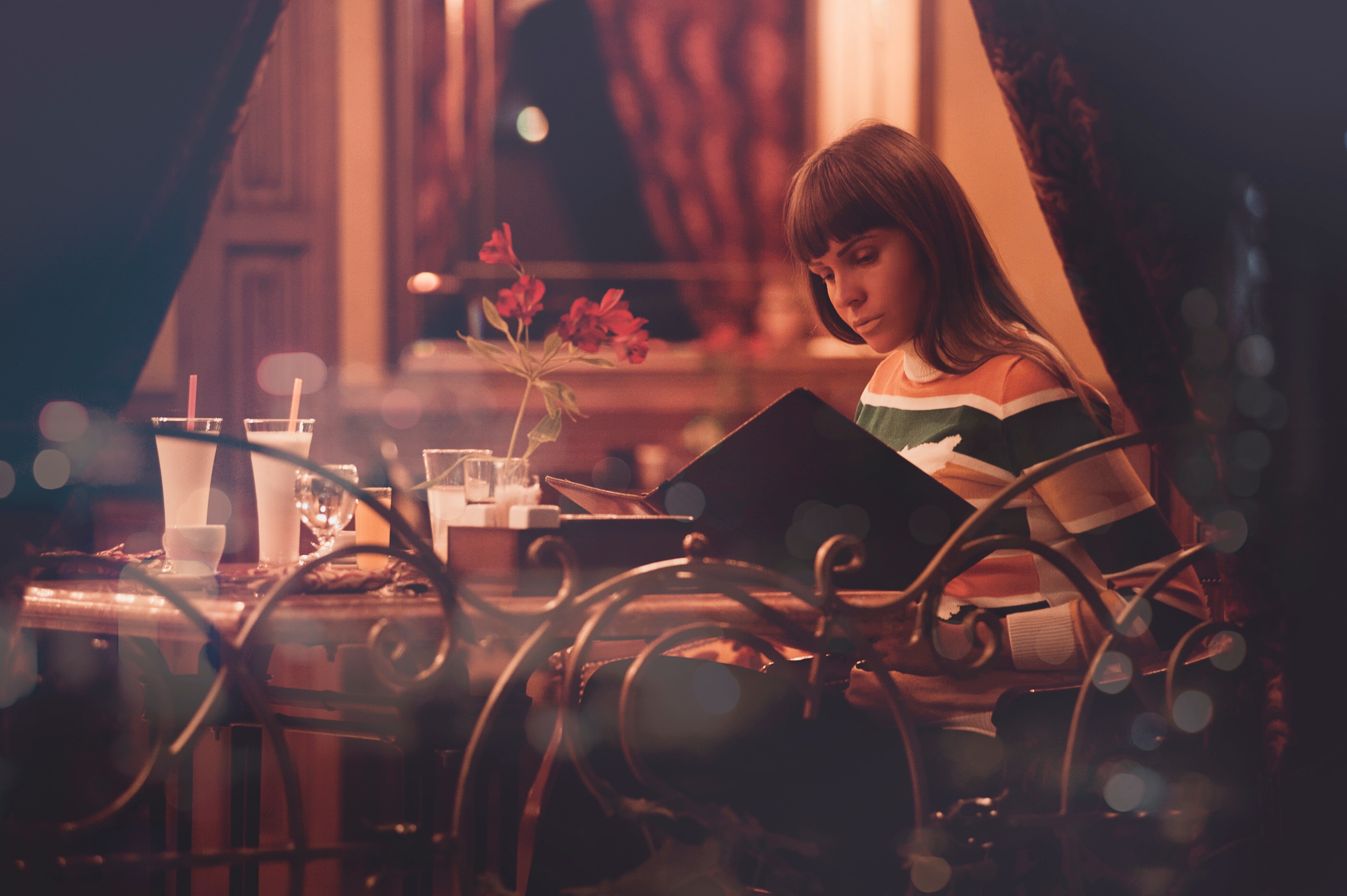 Woman Sitting in a Room, Adult, Menu, Window, Waiting, HQ Photo