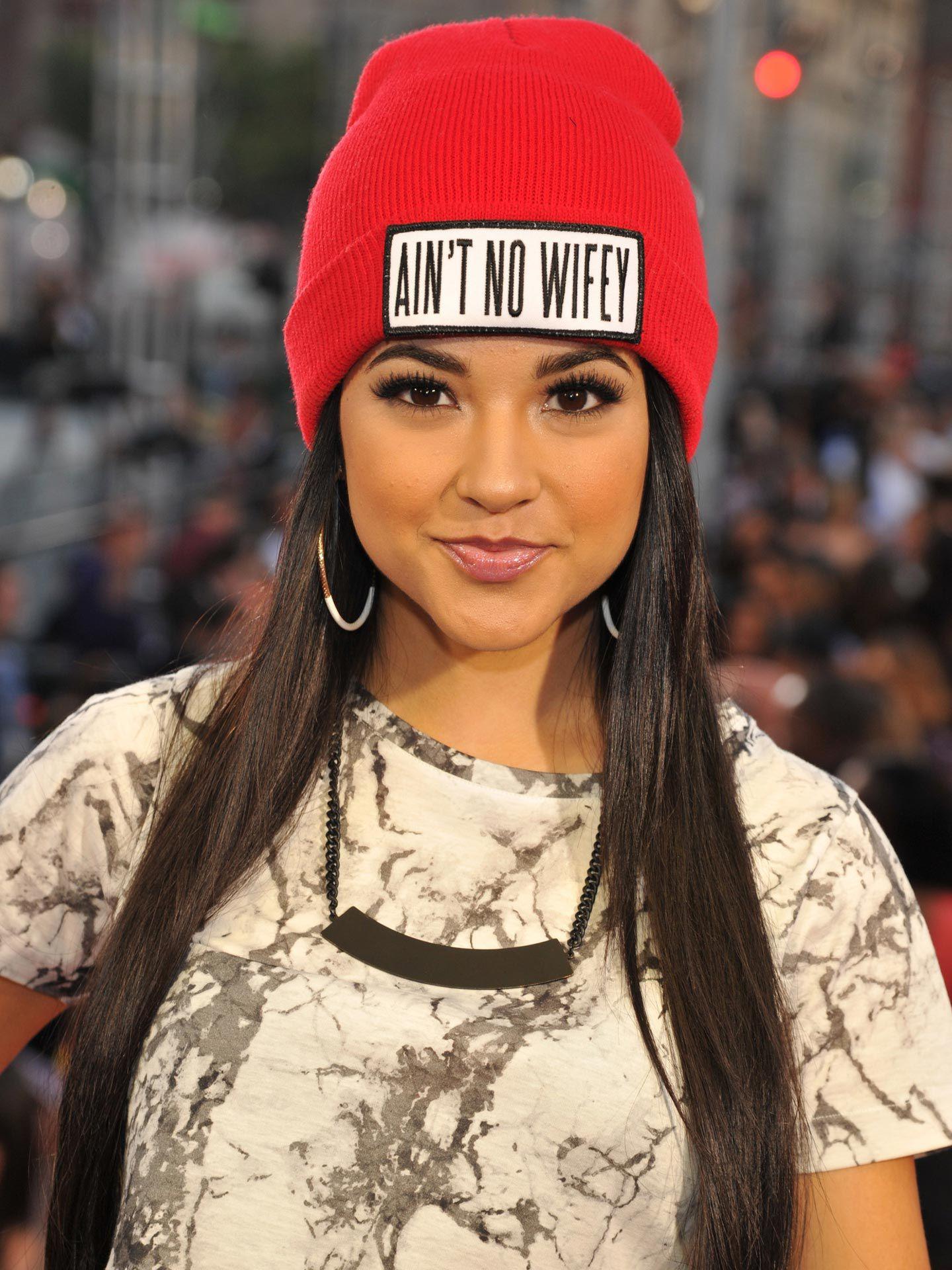 Celebrities Wearing Hats - Hat Trends for Women