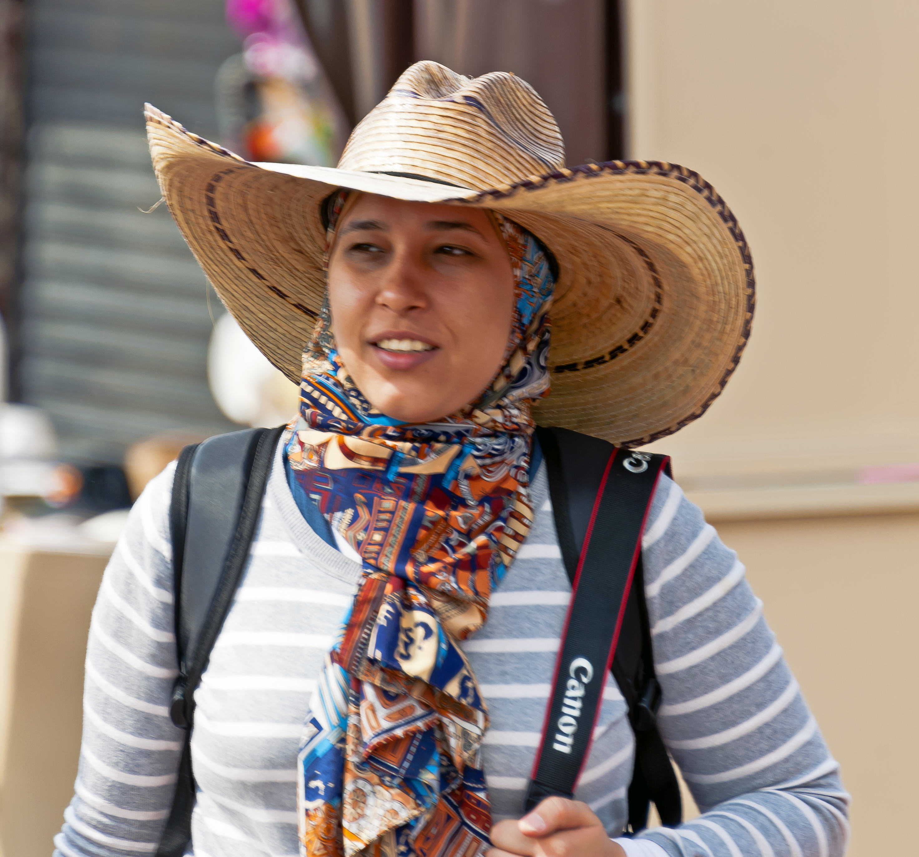 File:Woman wearing Mexican cowboy hat over hijab at Teotihuacan.jpg ...