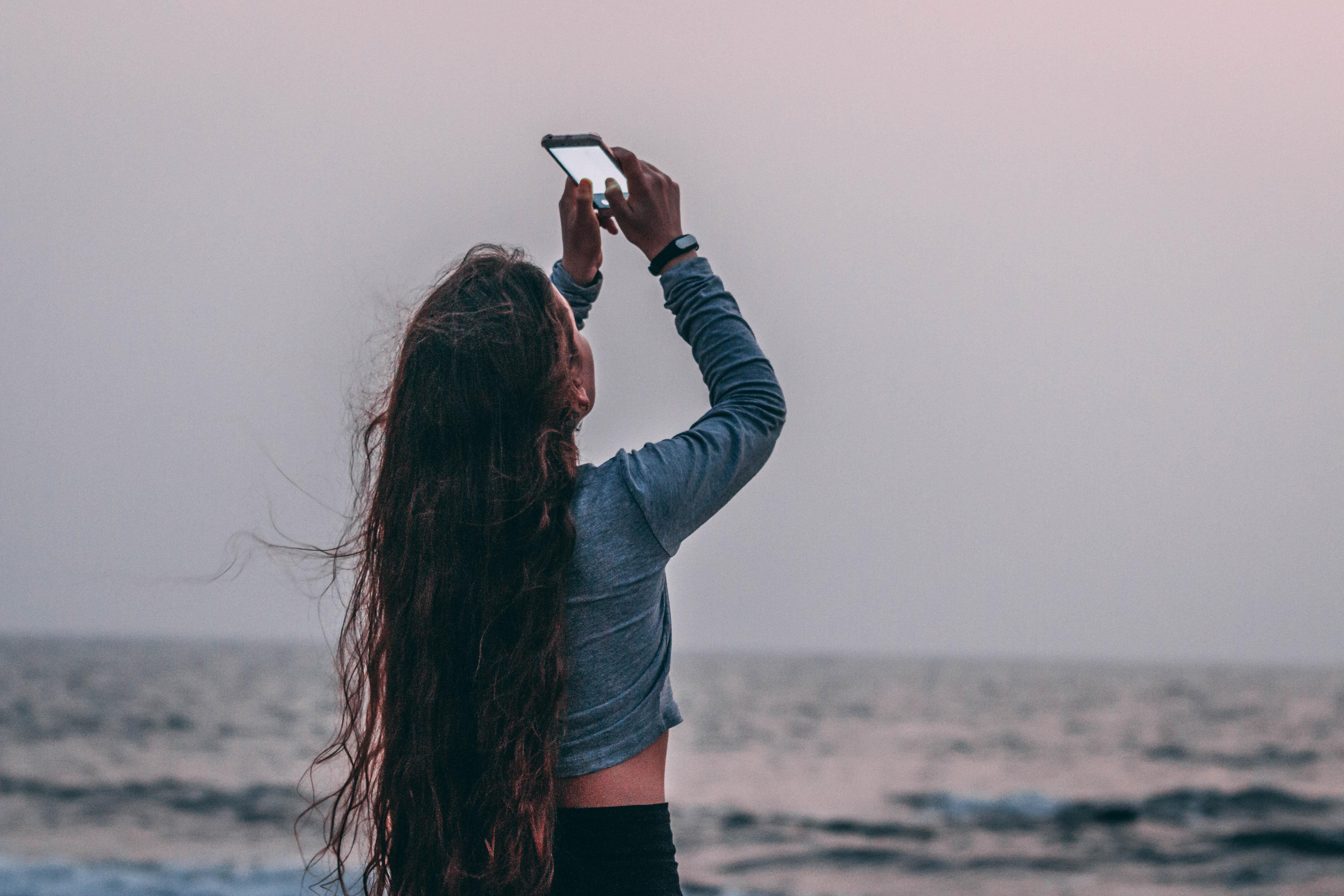 Women's Gray Long-sleeved Shirt, Sea, Young, Woman, Wind, HQ Photo
