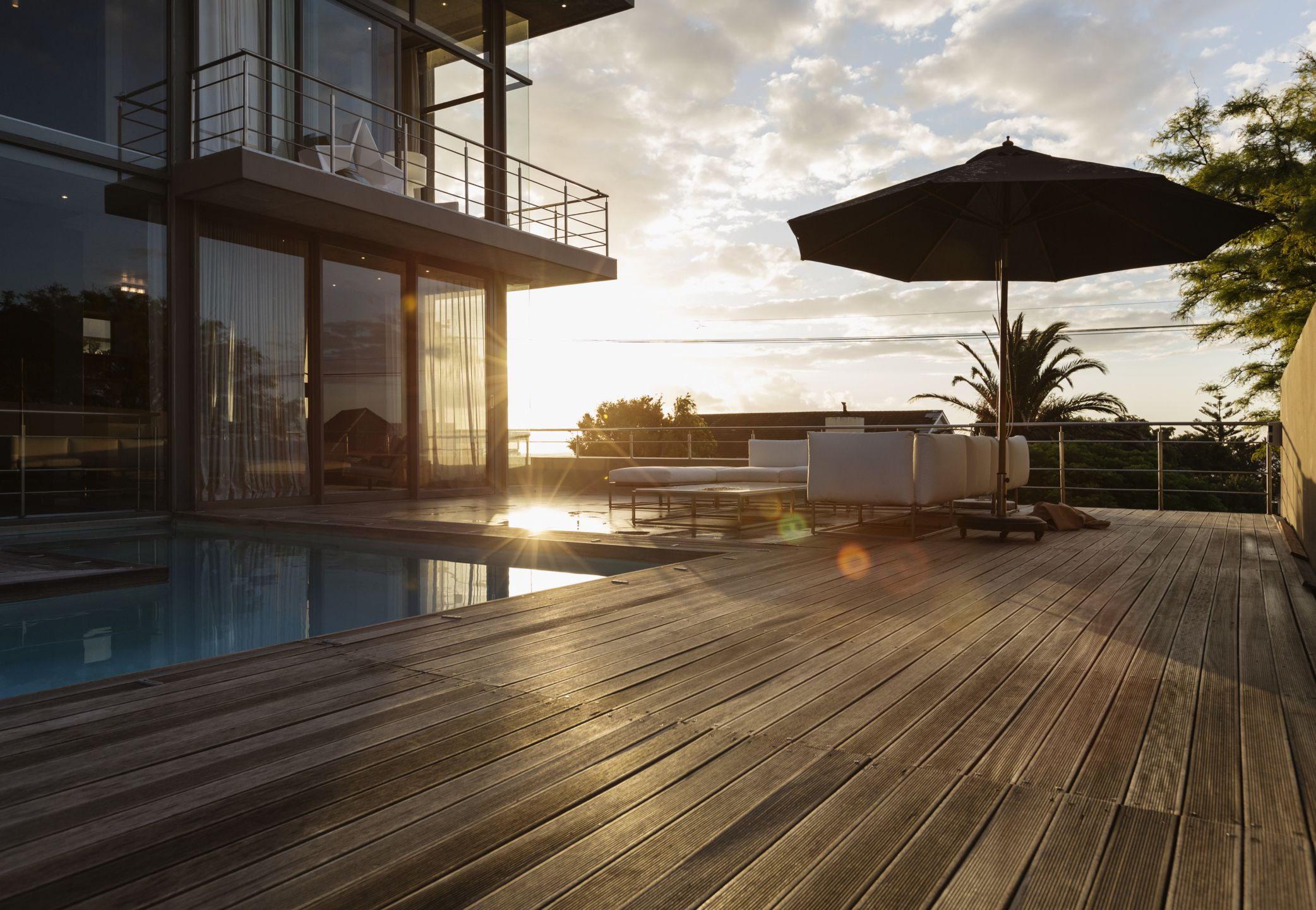 Compare Deck Materials: Wood, Wood-Composite, and Plastic