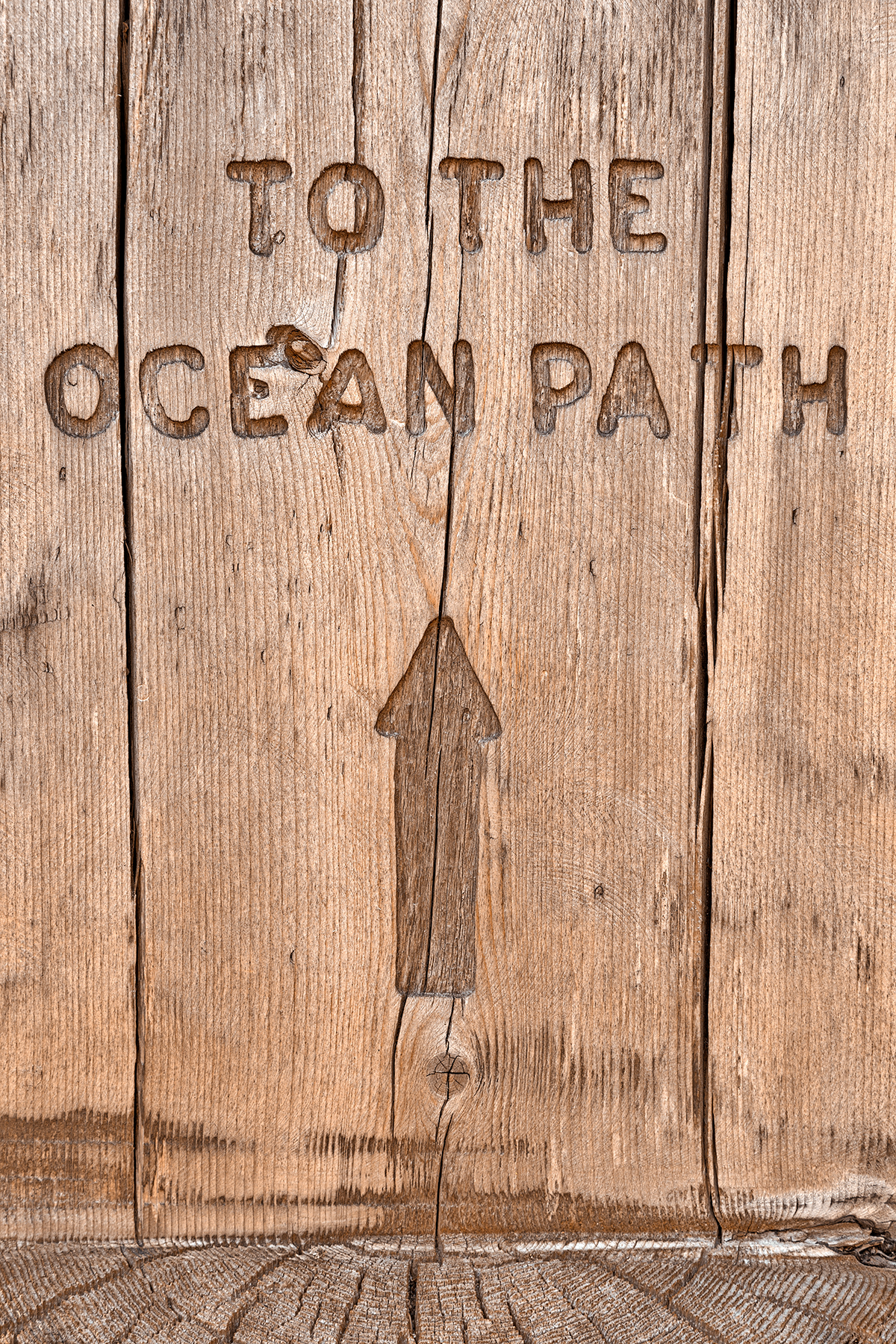 Wood ocean path sign - hdr photo