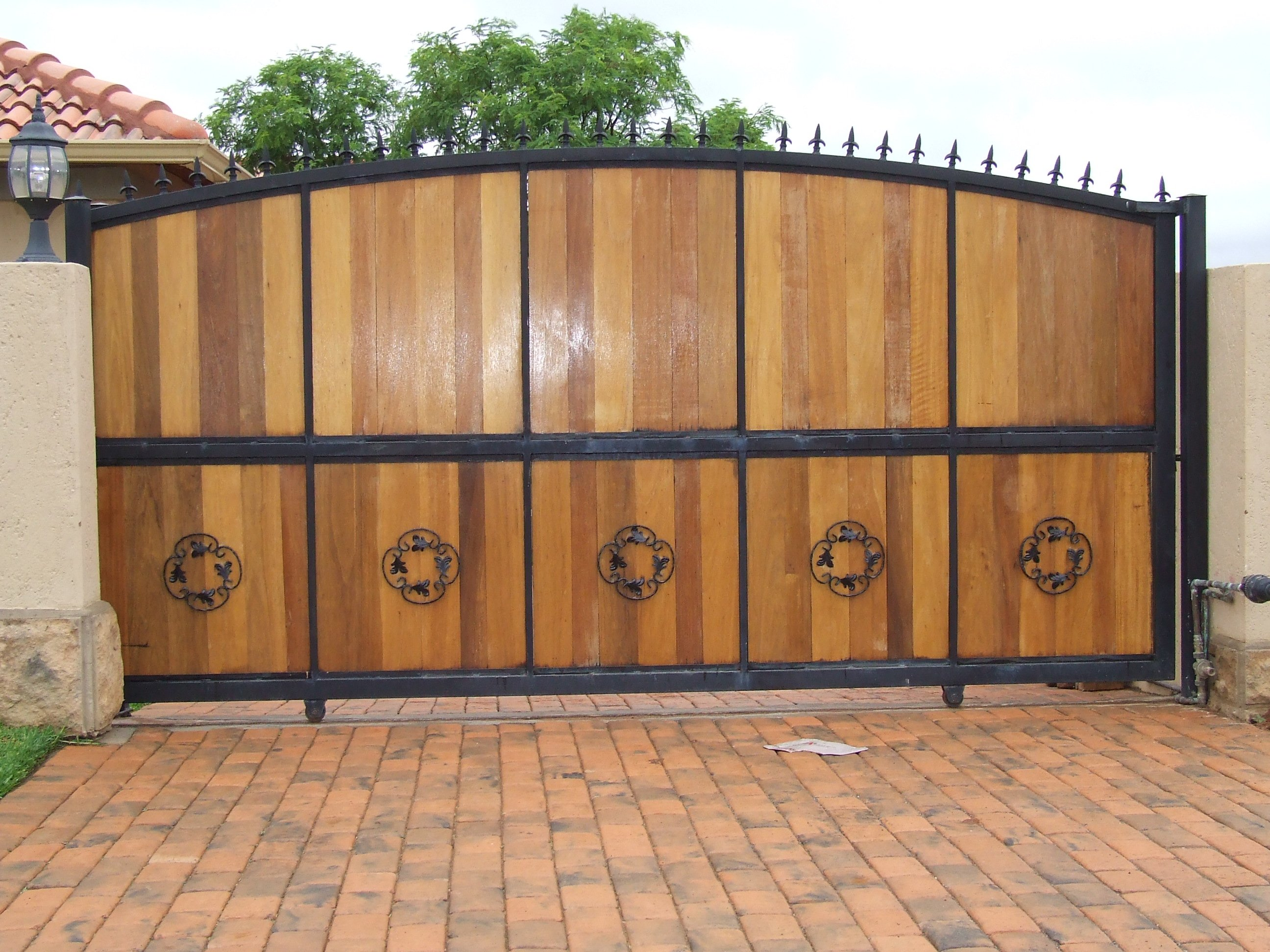 Wooden gate photo