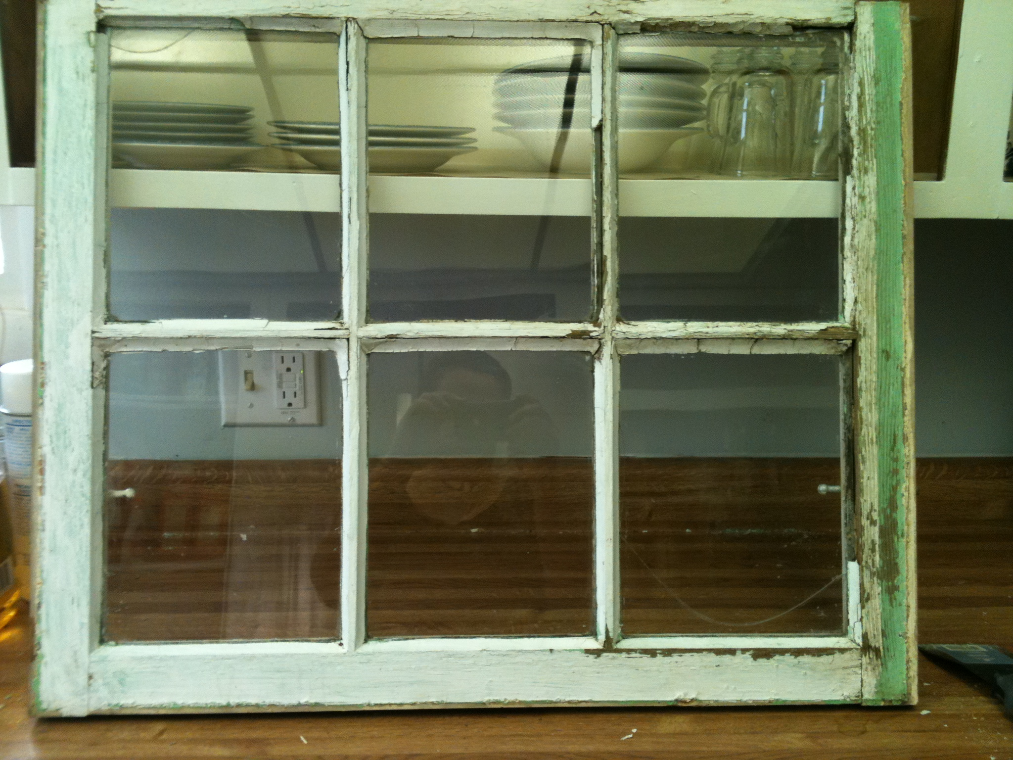 Old Stuff- Wood Window Pane to Distressed Picture Frame – My Three C's