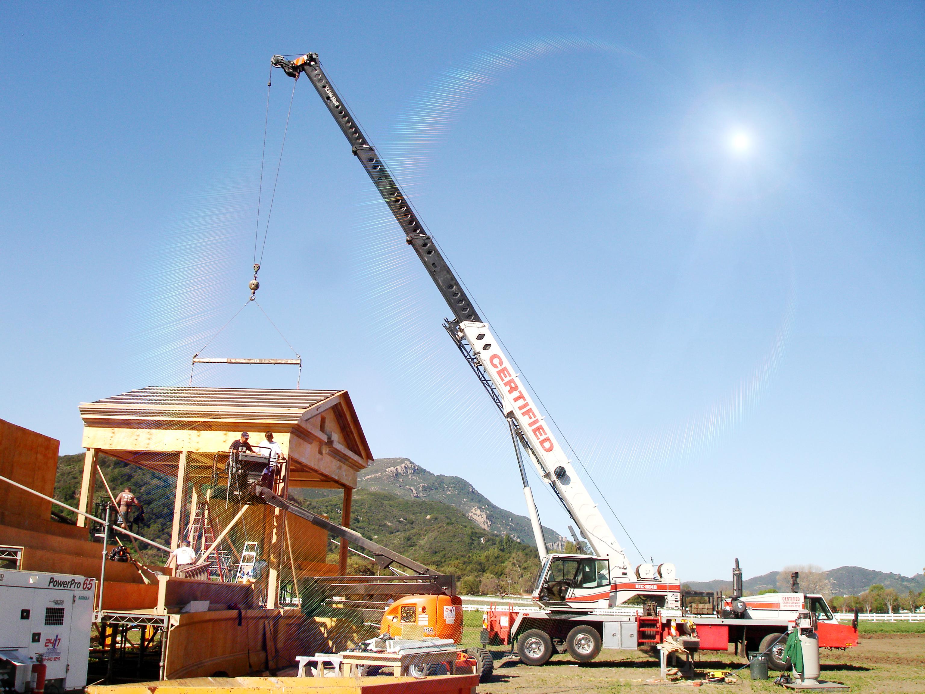 Working crane photo