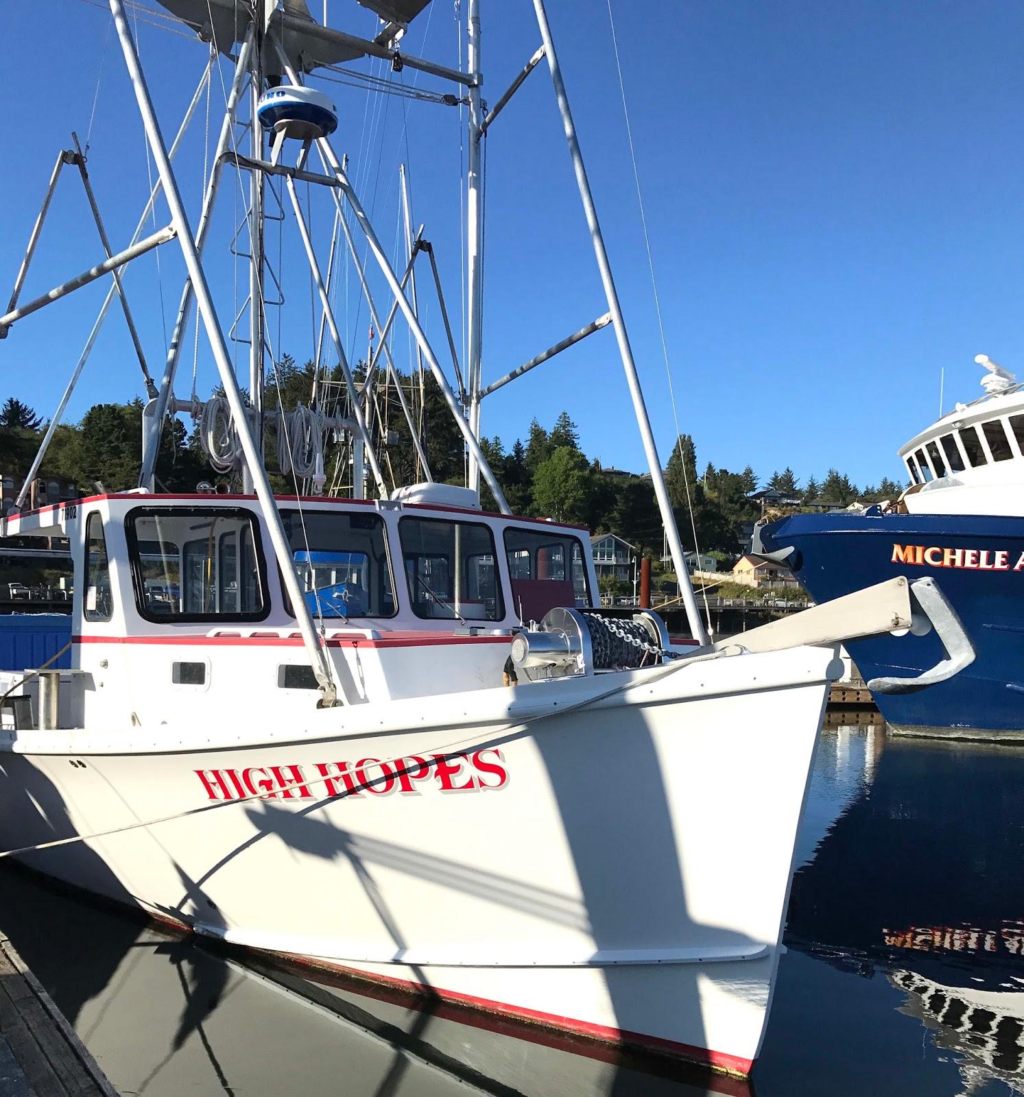 Yaquina bay boats photo