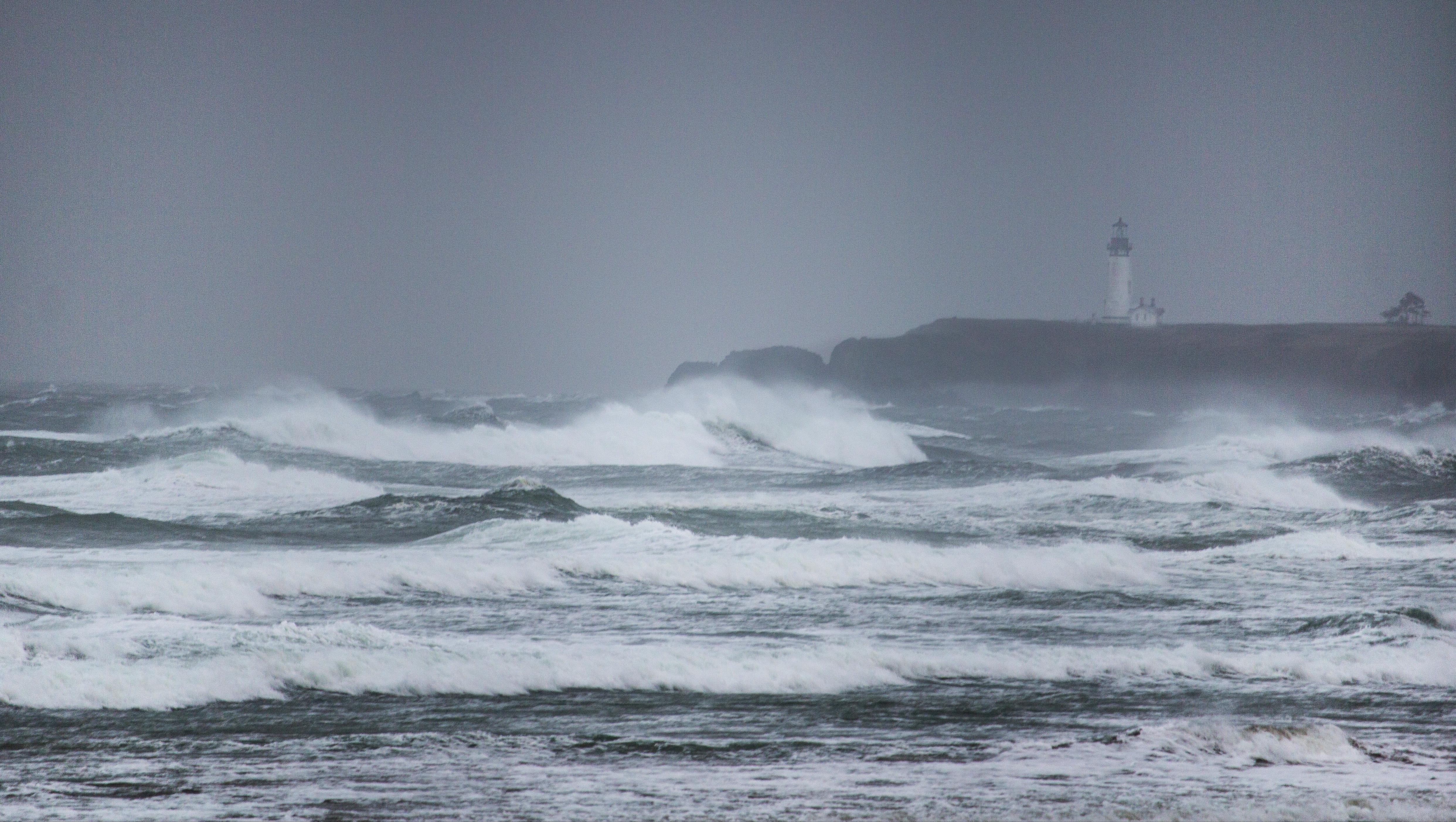 Yaquina lighthouse winter storm, Oregon, Bay, Coast, Lighthouse, Mountain, HQ Photo