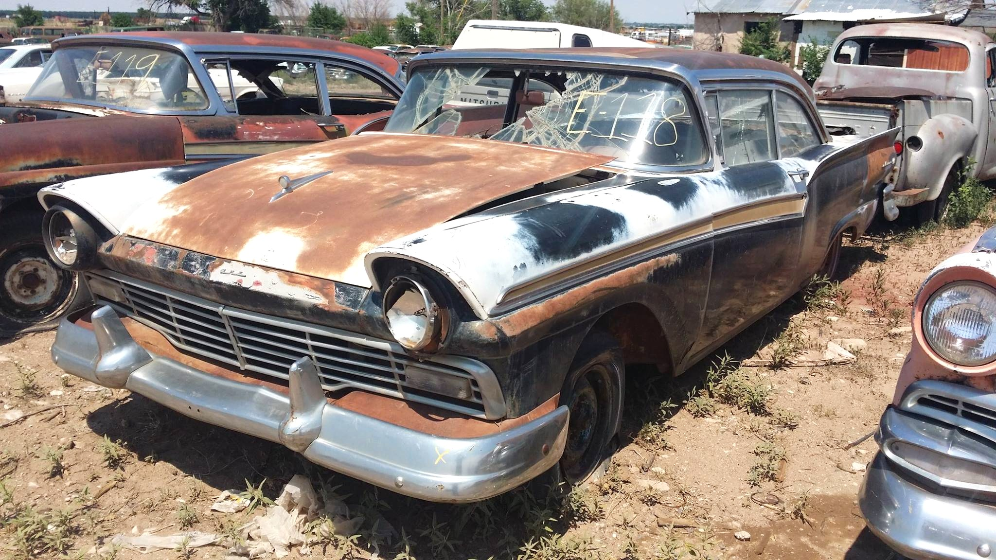 Last chance for close encounter at Roswell salvage yard ...