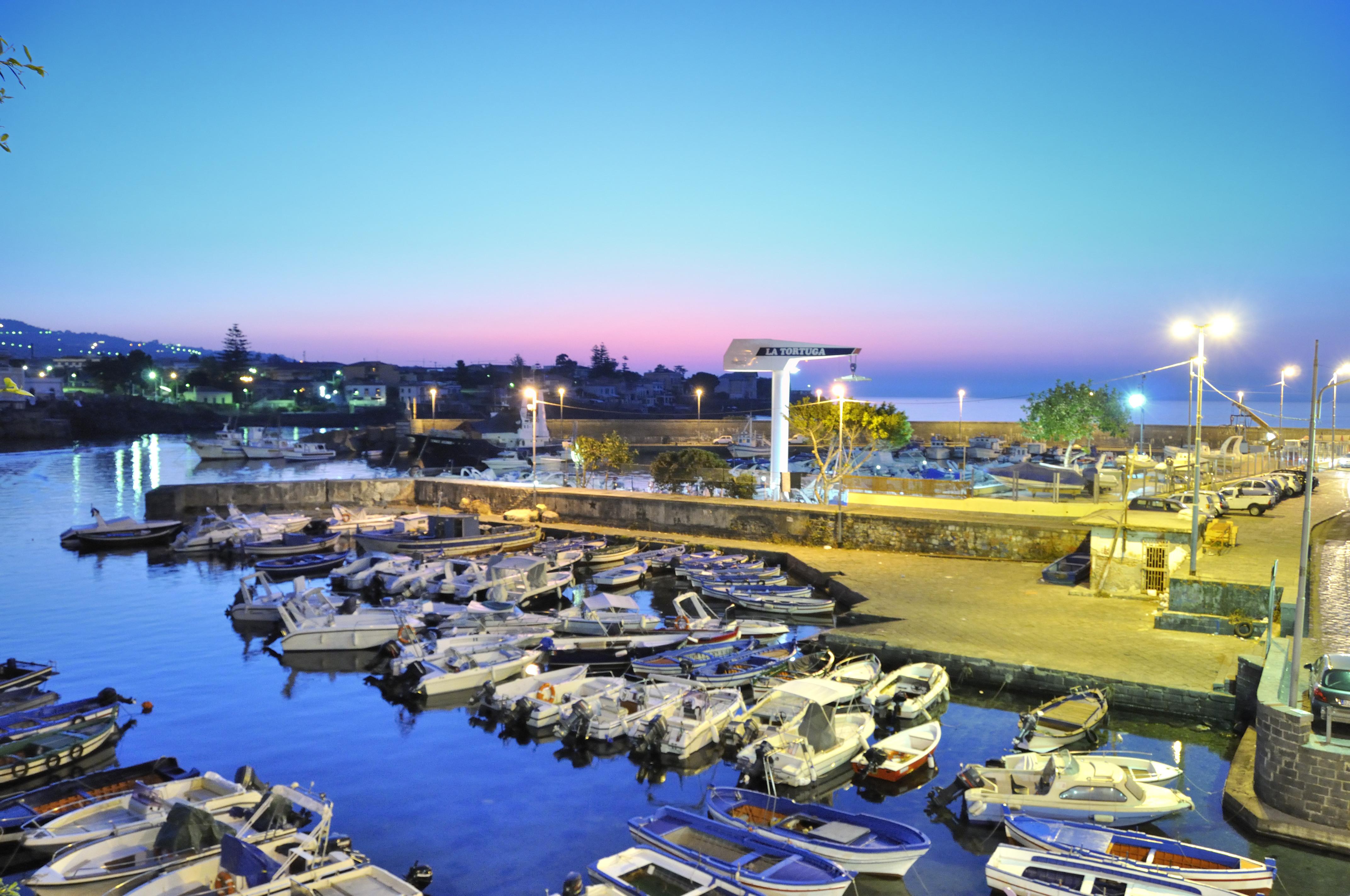 Yatching porto ulisse ognina catania sicilia italy - creative commons by gnuckx photo