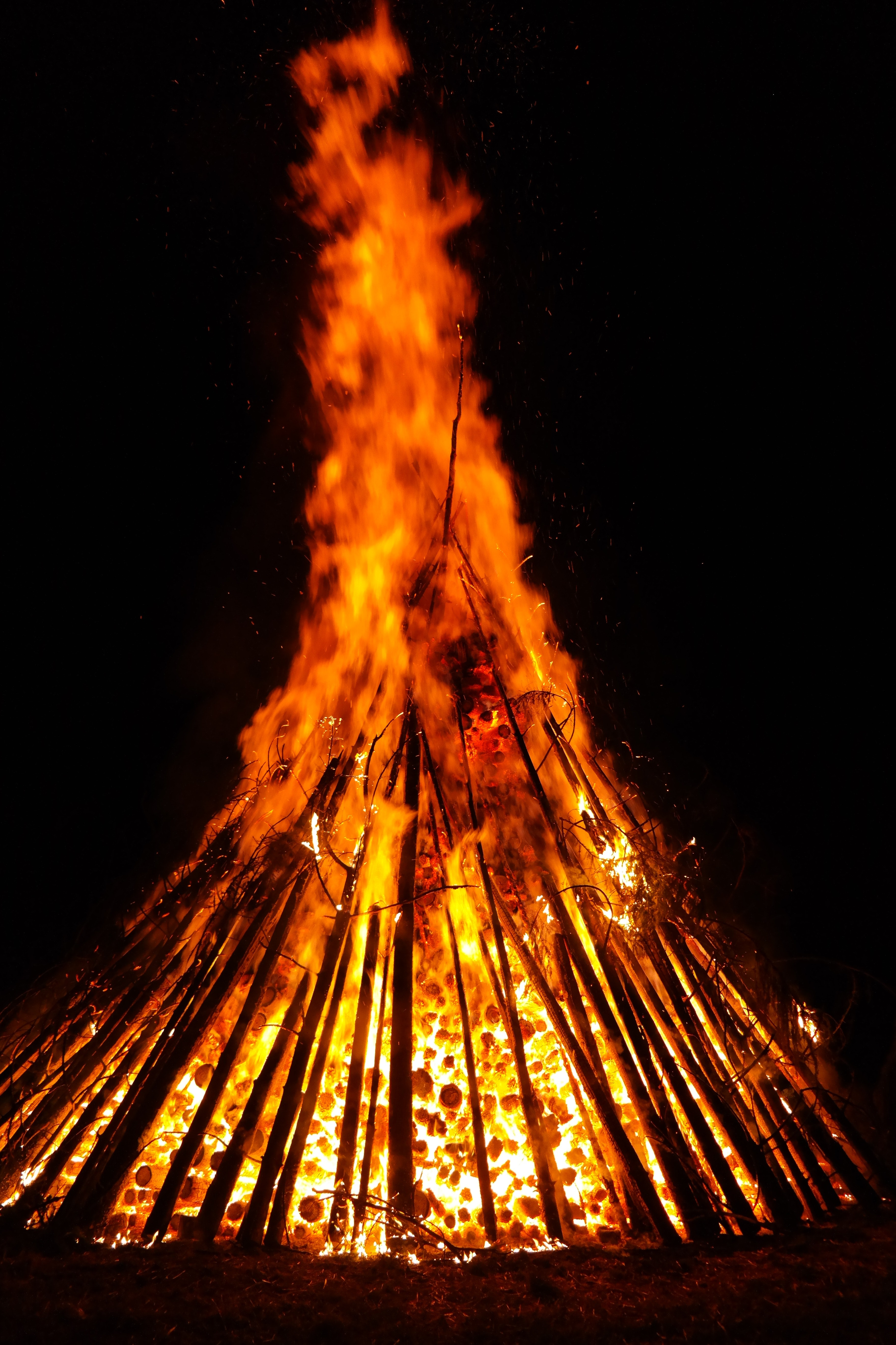 Yellow and Orange, Burn, Burning, Campfire, Camping, HQ Photo