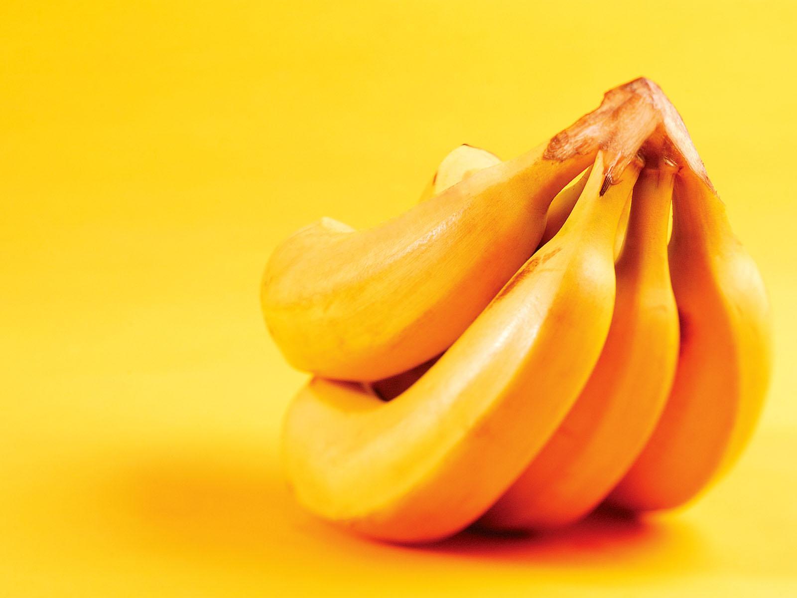 Yellow Banana Wallpaper HD Wallpaper | WallpaperLepi