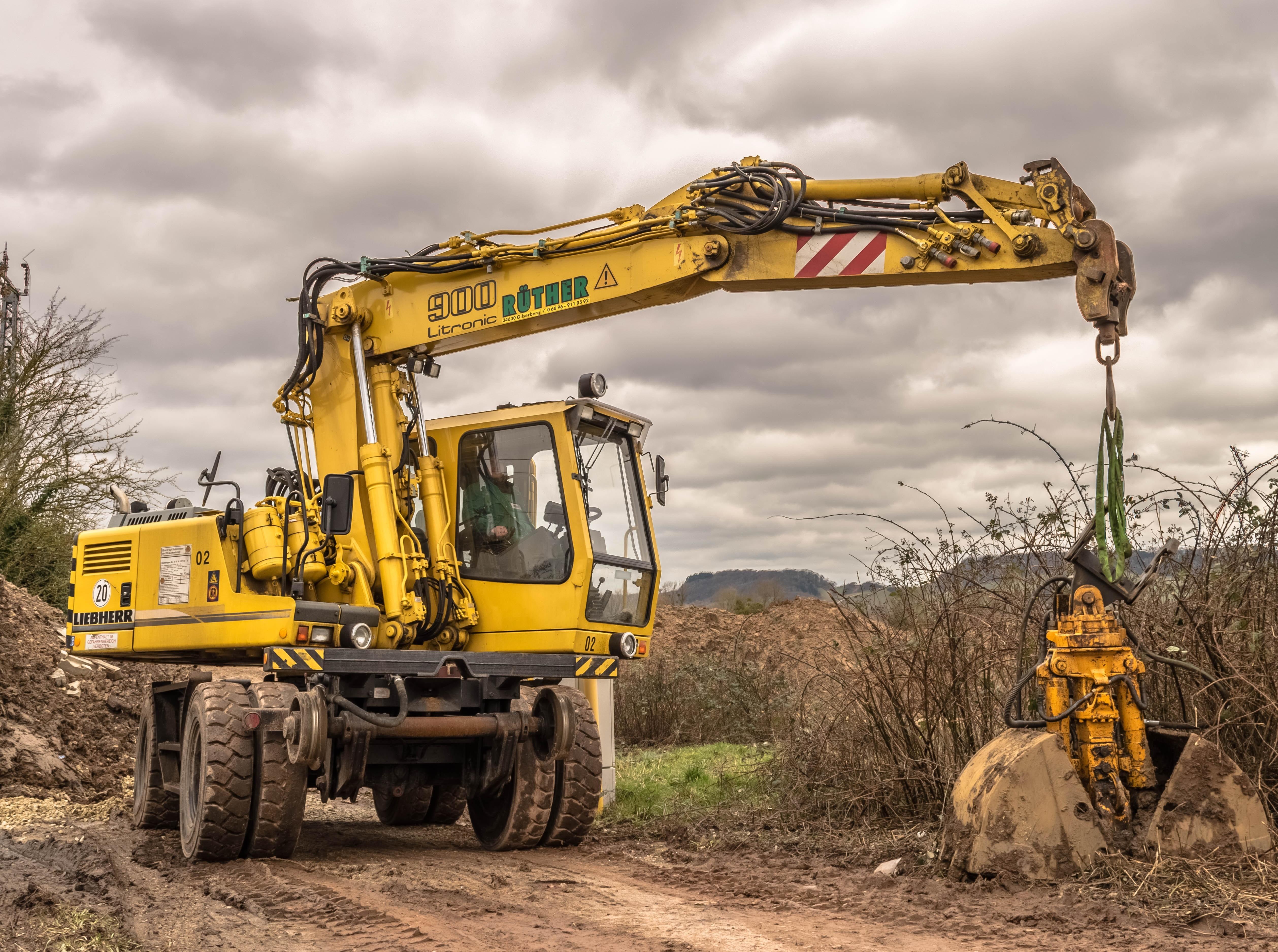 Yellow Excavator · Free Stock Photo