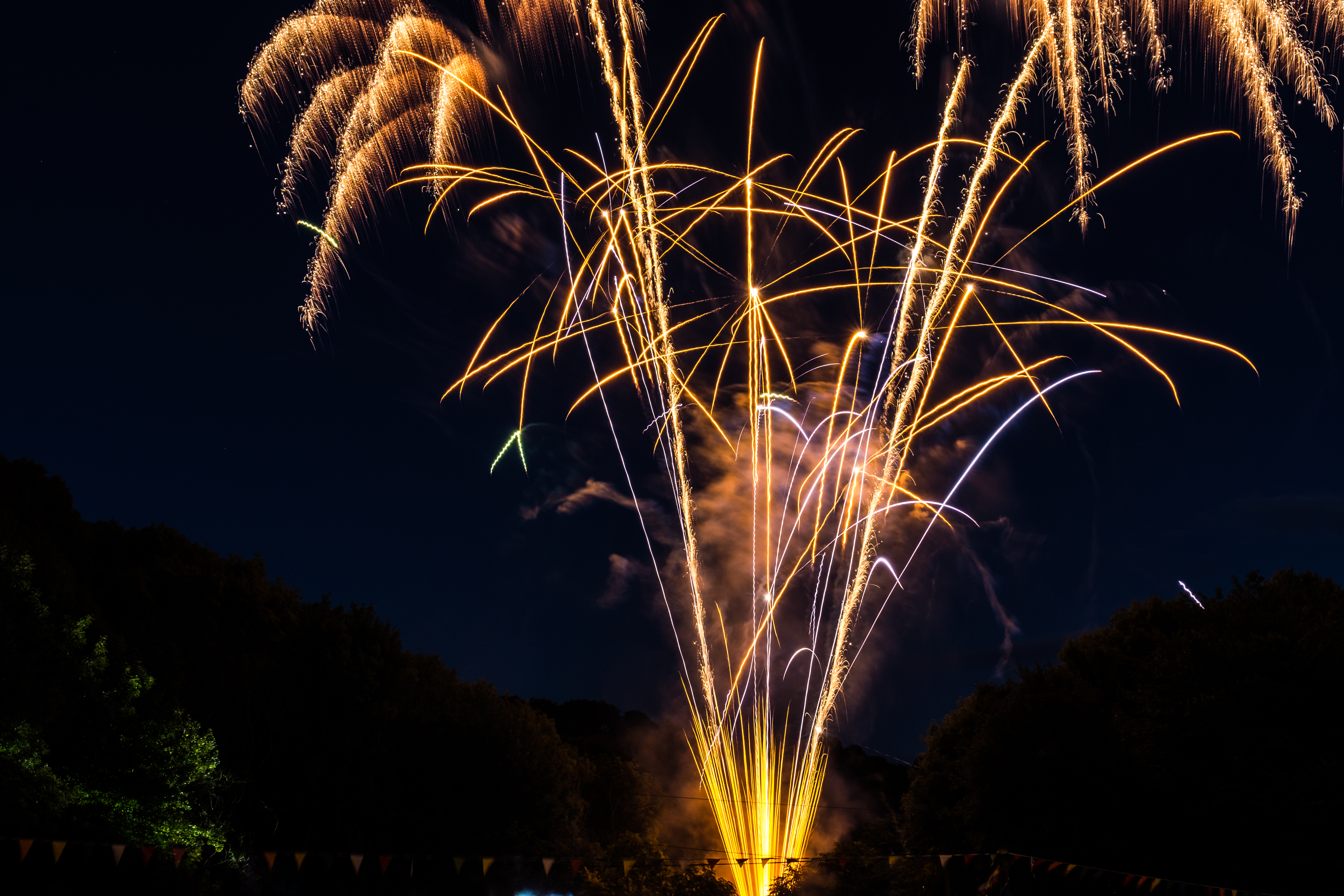 Yellow Fireworks during Night Time, Blast, Gold, Sky, Pyrotechnics, HQ Photo