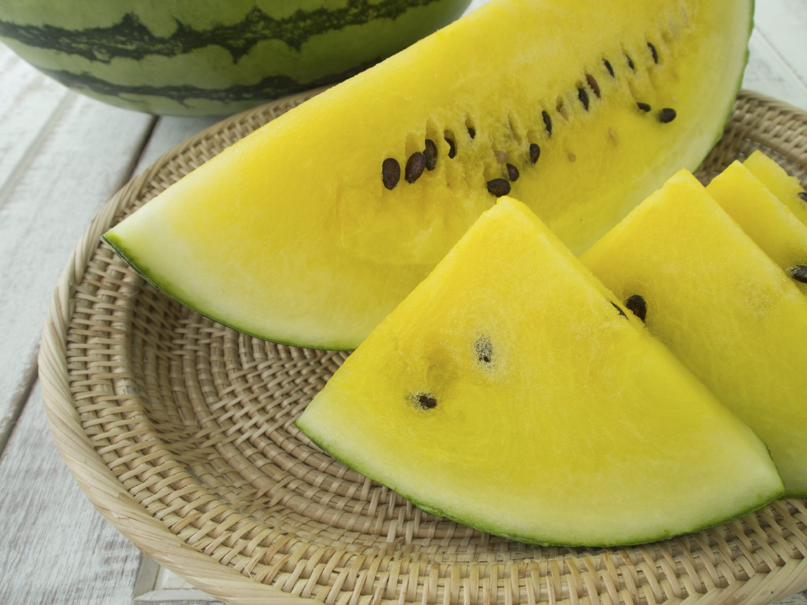 Yellow Watermelon Fruit ? What To Do For Watermelons Turning Yellow