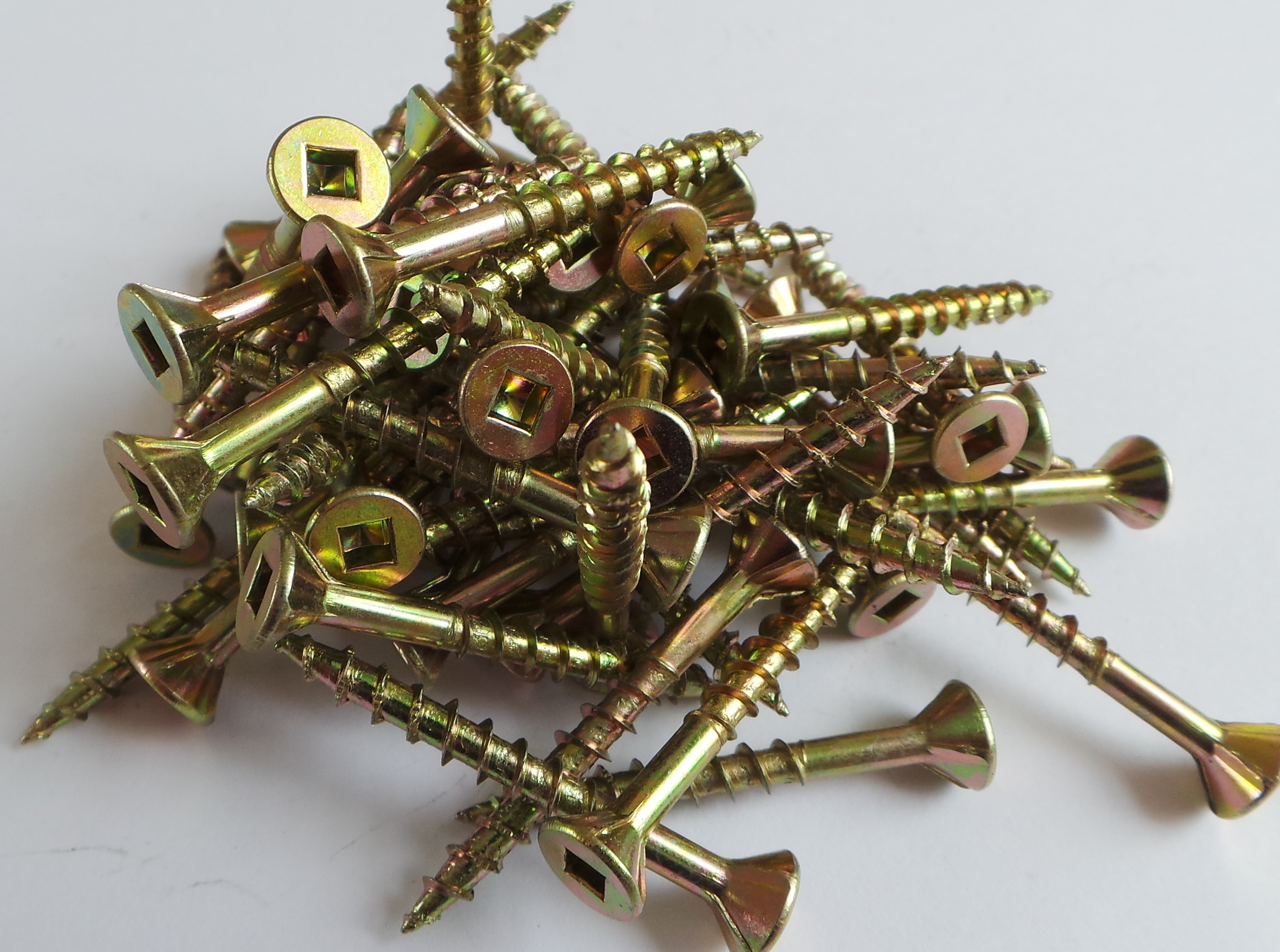 Yellow zinc screws photo