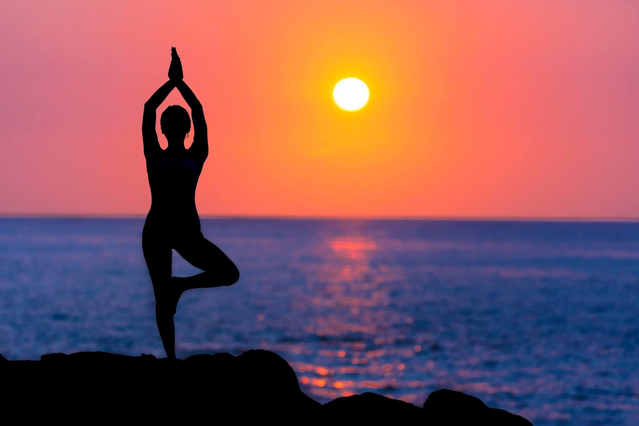 beach yoga girl