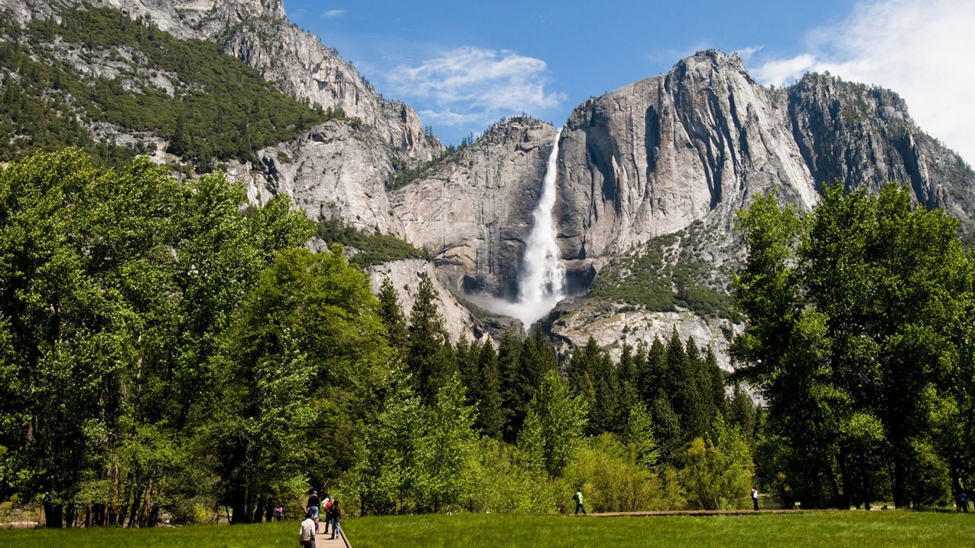 Yosemitewaterfall.ngsversion.1461149931536.adapt.1900.1.jpg