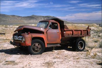 0080, c Nevad mining town, Oct 2003