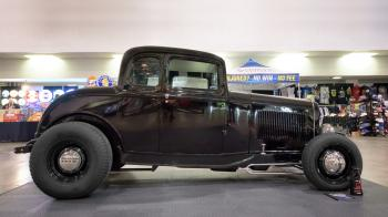 1932 Ford 5 Window Coupe -