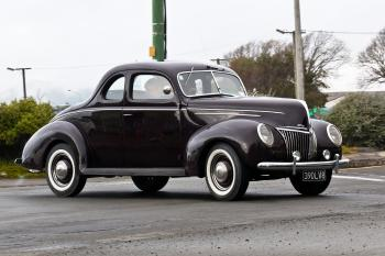 1939 FORD DELUX
