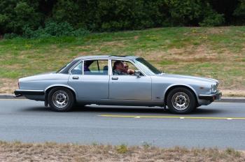 1982 JAGUAR 4.2XJ6 AUTO