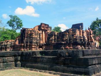 700 year old Hindu temple ruins