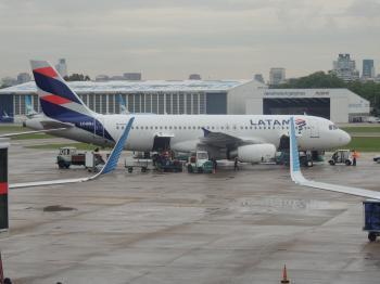 Airbus A320 LATAM Argentina, LV-BSJ