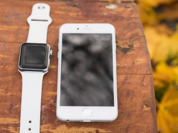 Apple Watch and Mobile