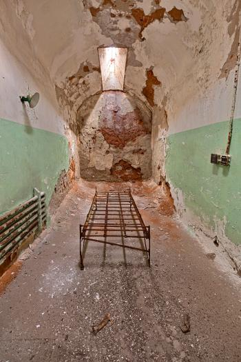 Bare Bones Prison Cell - HDR
