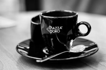 Black Piazza Doro Cup With Silver Spoon