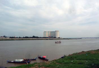 Boats on the Tonle Sap river - Phnom Penh