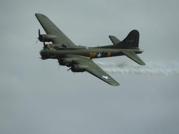 Boeing B-17G Flying Fortress 'Sally B'