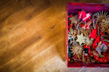 Brown Red Floral Decors in Red Box