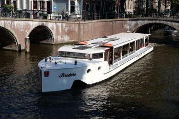 Canal cruiser Bredero