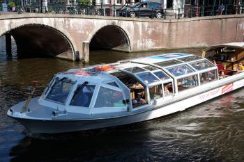 Canal cruiser