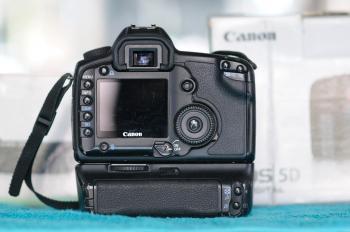 Canon EOS 5D Backside
