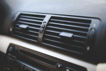 Car interior / Air conditioner