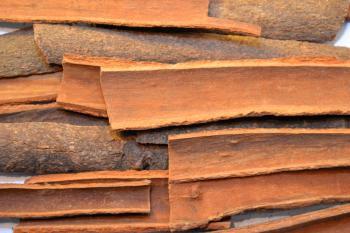 Cinnamon bark sticks