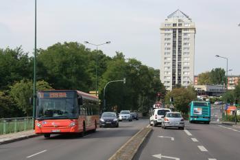 Citura - Heuliez Bus GX 327 n°318 et RVI Agora S n°231 - Ligne 9