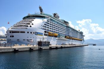 Cruise on the Port