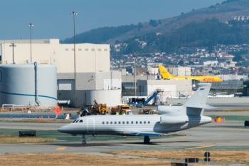 Dassault Falcon 900EX (N900SJ) at San Francisco International Aiport (SFO)