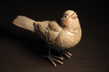 Decorative bird sculpture